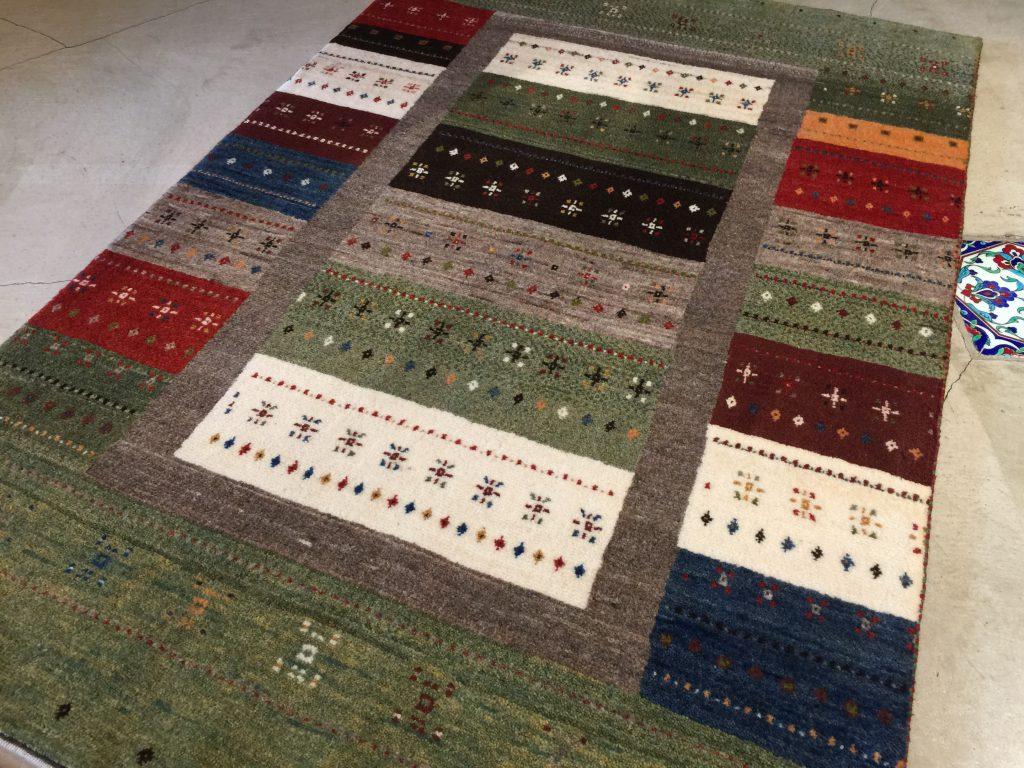 ギャッベ,敷物,カーペット,絨毯,ラグ,可愛い,ふかふか,暖かい,心地良い,手織り,遊牧民,イラン,静岡,呉服町,パシャ,アートライン