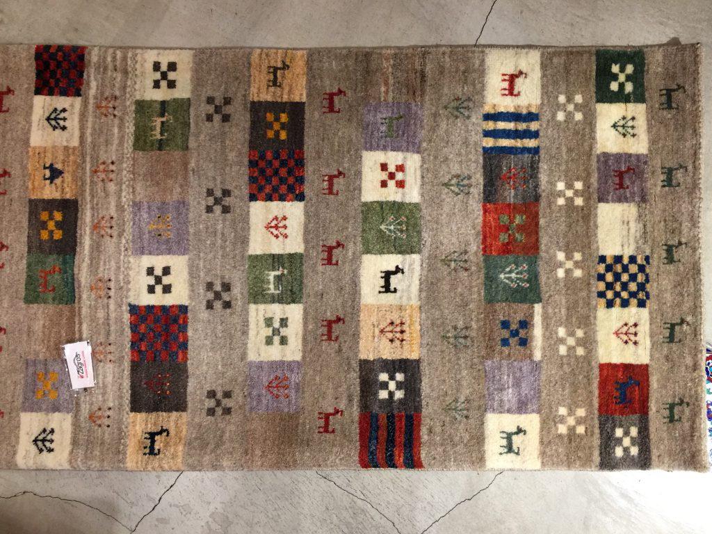 ギャッベ,イラン,遊牧民,羊毛,手織り,草木染,可愛い,暖かい,可愛い