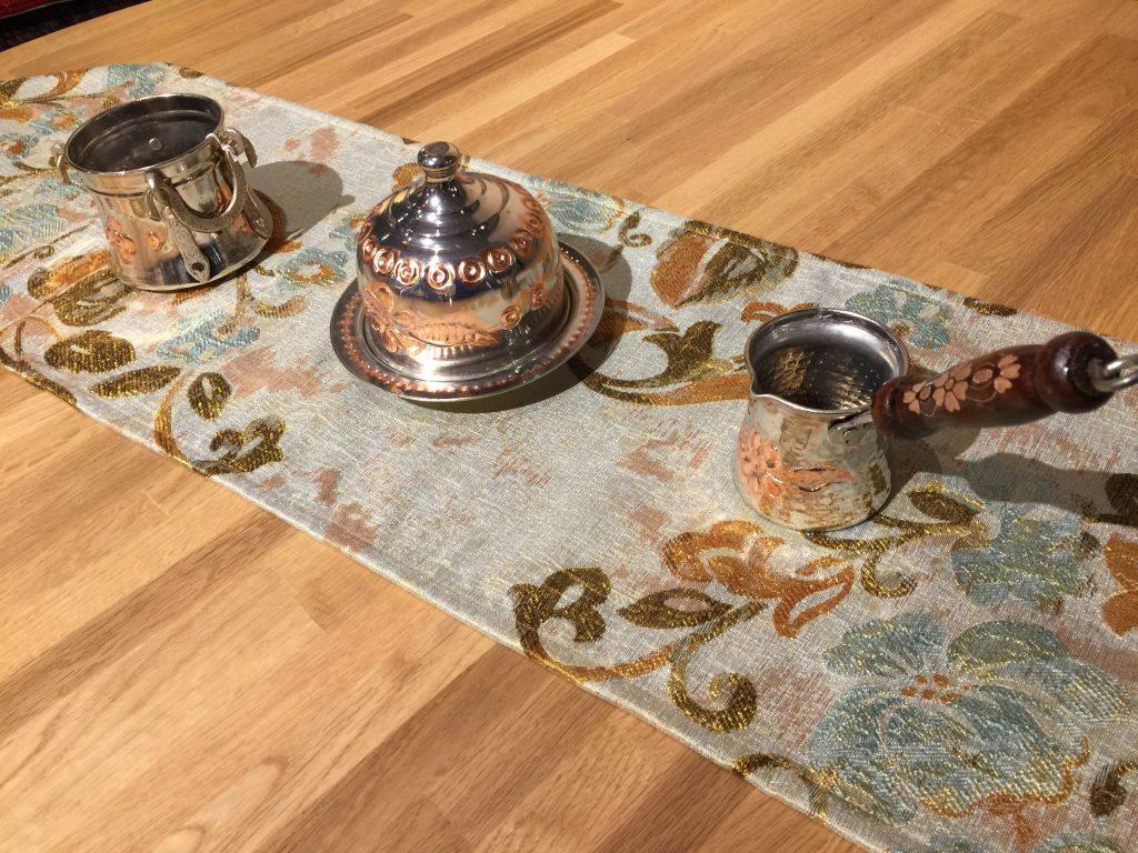 タフタ織,テーブルランナー,銅製品,美しい,トルコ,静岡,呉服町,パシャ,アートライン