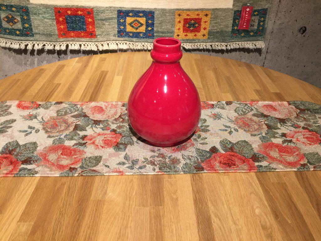 タフタ織テーブルランナー&花瓶